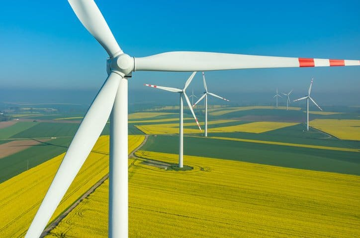 Power Performance Measurements of Electricity Producing Wind Turbines