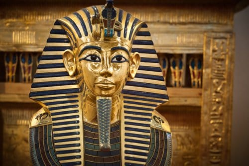 King Tut's Dagger and the X-ray Fluorescence Spectrometry Standard