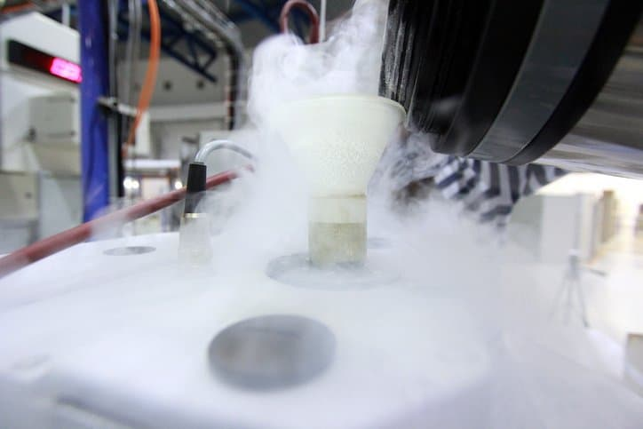 Filling up a CGA 341-2017 nitrogen cryogenic liquid tank truck.