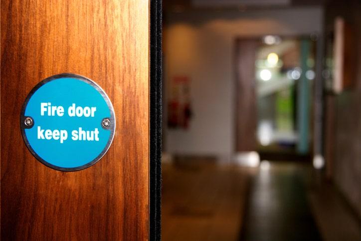 NFPA 80-2019 fire door needs to be kept shut