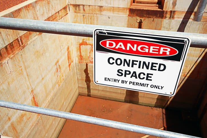 Confined space warning as described in ANSI/ASSE Z117.1