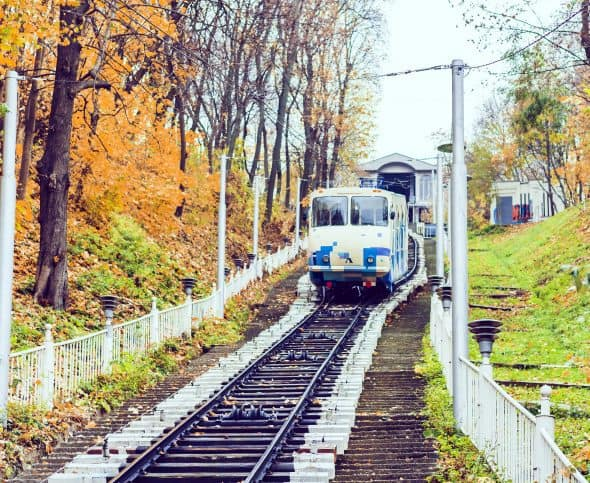 Train with funicular safety measure that meet ANSI B77.2-2014