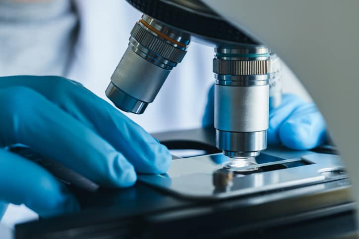 Preparing microscope sample to ISO/IEC 17025:2017 process requirements.