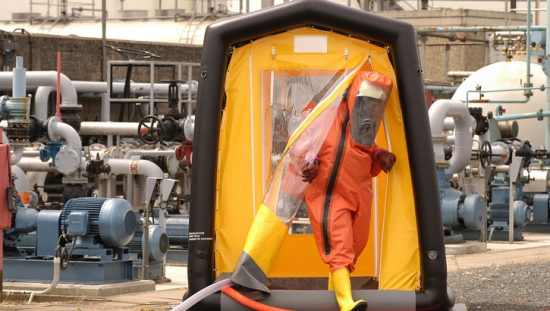 Decontamination Shower Requirements in ANSI/ISEA 113