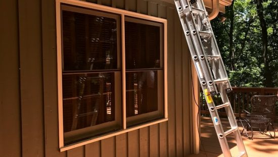 Single and Extension Ladders Safety Tips